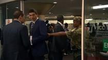 Video: Vệ sĩ của Putin bị nhân viên an ninh Nam Phi đuổi ra ngoài