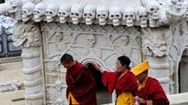 Video: Cận cảnh lễ thiên táng của người Tây Tạng