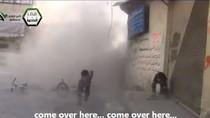 Video: Trẻ em Syria suýt mất mạng trong một vụ tấn công ở Damascus.
