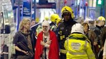 Sập mái nhà hát Apollo ở London, hàng chục người bị thương