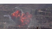 Video: Quân đội Syria đánh bom các mục tiêu, 300 người thiệt mạng