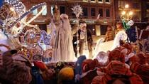 Ảnh: Không khí rộn ràng đêm Noel trên thế giới