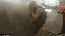 Video: Lính Mỹ suýt chết vì bị đồng đội ném bom nhầm