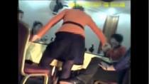 Video: Dân Triều Tiên uống bia, múa hát trong quán karaoke