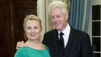 """Hillary Clinton tiết lộ: """"Ngập nợ nần"""" sau khi chồng rời Nhà Trắng"""
