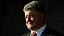 Poroshenko ký đạo luật cho phép quân đội nước ngoài hiện diện ở Ukraine