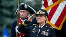 Ảnh: Nữ tướng 4 sao duy nhất của Mỹ nhận quyết định nghỉ hưu