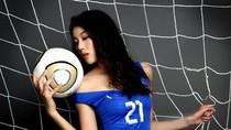 Mỹ nhân Trung Hoa gợi cảm hóa thân thành tuyển thủ Italia