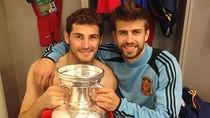 Iker Casillas bán nude mừng cúp cùng đồng đội