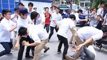 """Bạo lực tuổi teen - thích thì đánh, thích thì """"bụp"""""""