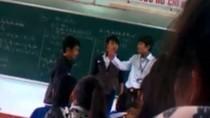 Vụ thầy trò đánh nhau ở Bình Định: Kiểm điểm cả học sinh quay clip