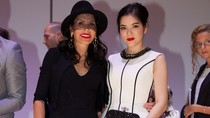 Lý Nhã Kỳ mời  tỉ phú Mouna Ayoub đến VN xem biểu diễn thời trang
