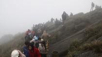 Chùm ảnh: Gian nan đường lên đỉnh thiêng Yên Tử