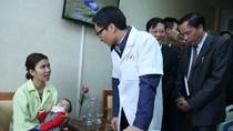 Phó Thủ tướng mong muốn người dân đều được chăm sóc sức khỏe như có bác sĩ riêng