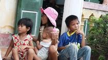 Chính quyền và người dân không thống nhất, nhiều đứa trẻ có nguy cơ thất học