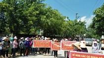 """Chủ tịch huyện Quảng Xương """"bỏ quên"""" đề nghị của phụ huynh"""