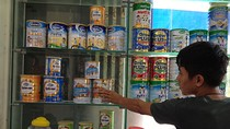 Vụ sữa nhiễm khuẩn: Fonterra, Abbott, Dumex thu hồi hàng loạt sản phẩm