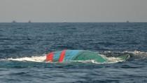 Tàu cá của ngư dân Quảng Bình bị tàu lạ đâm chìm
