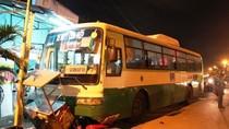 Hà Nội: Truy bắt tài xế bỏ chạy sau khi gây tai nạn liên hoàn