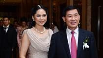 Gia đình Hà Tăng tặng toàn bộ quà cưới tiền tỷ cho trẻ nghèo