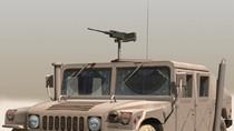 """Humvee ra chiến trường với """"ống khói"""" lạ"""