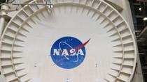 """""""Đột nhập"""" Trung tâm không gian Johnson của NASA"""