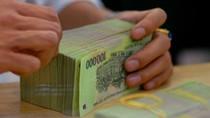 Lương nhân viên ngân hàng sụt giảm rất mạnh