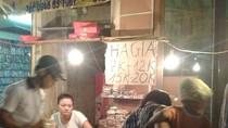 Đổ xô mua bánh Trung thu nổi tiếng xé nhãn mác giá từ 7.000 đồng/chiếc