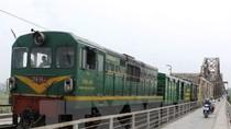 Đề xuất mua toa tàu cũ Trung Quốc, cách chức Tổng giám đốc đường sắt thôi sao?