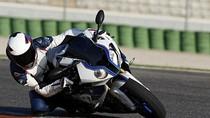 Siêu mô tô mới BMW HP4 chính thức lộ diện