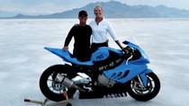 Siêu mô tô BMW lập kỷ lục chạy 330 km/h