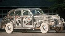 Chiếc xe cổ trong suốt như pha lê giá 400.000 USD