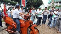 Chiêm ngưỡng xe máy gỗ độc nhất vô nhị tại Khánh Hòa