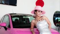Fiat 500 màu hồng nữ tính tôn đường cong của kiều nữ Việt