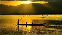"""Góc ảnh: Say với ánh """"mặt trời vàng"""" trên Hồ Lắk - Buôn Ma Thuột"""