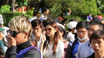 Hàng nghìn người khóc thương trước giờ hỏa táng Wanbi Tuấn Anh