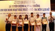 """""""Đừng chê nữa, mà hãy làm để trẻ không nhầm Nguyễn Du là Quang Trung"""""""