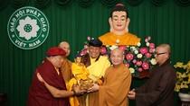 Đức Pháp Vương Gyalwang Drukpa thăm lãnh đạo Hội Phật giáo Việt Nam