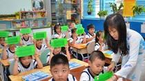 """Thầy giáo tự nhìn lại một năm """"quay chong chóng"""" với giáo dục nước nhà"""