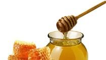 Những người bị cấm uống mật ong
