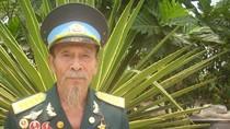 Câu chuyện về người phi công 7 lần được thưởng huy hiệu Bác Hồ