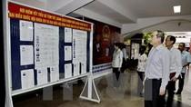 Ông Nguyễn Thiện Nhân kiểm tra các điểm bỏ phiếu tại TP Hồ Chí Minh
