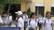 """Học sinh """"dễ thở"""" với đề Văn thi vào lớp 10 tại Quảng Bình"""