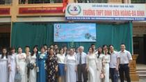 Ảnh: Lễ tri ân và trưởng thành học sinh khối 12 của trường THPT Đinh Tiên Hoàng