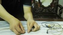 Phát hiện thí sinh cài thiết bị công nghệ cao trong tai