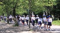 Học sinh Nhật Bản đi học ngoại khóa như thế nào?