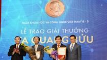 Chân dung hai nhà khoa học được trao Giải thưởng Tạ Quang Bửu 2017