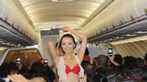 """VietJetAir: Án phạt 20 triệu đồng cho """"vũ điệu bikini"""" là nặng tay"""