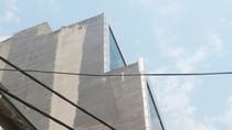"""Ai bảo kê cho công trình xây dựng """"không phép"""" cao 9 tầng tại 28 Đê La Thành?"""