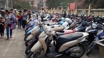 """Chủ tịch Hà Nội chỉ rõ thế lực bảo kê bãi xe, bùa hộ mệnh là """"giấy phép tạm""""?"""
